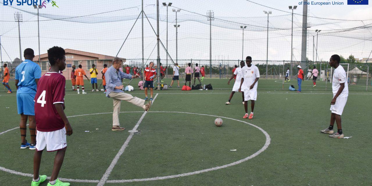 Centred by Sport – Il calcio: la condivisione attraverso lo sport/Centred by Sport – Football: sharing through sport